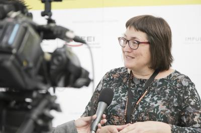 Sonia Tirado en el set de entrevistas de Focus Pyme y Emprendimiento
